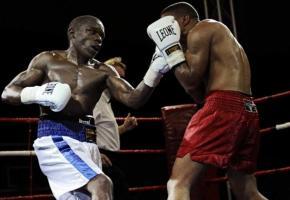 Patrick Kinimagazi (à gauche): 26 victoires en 28 combats. CPC.CH