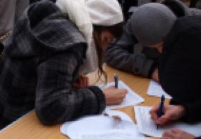 A Genève, le nombre de signatures nécessaires est plus élevé que dans les autres cantons. 123RF/MALGORZATA PAKULA