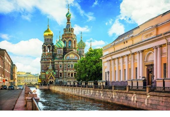 Saint-Pétersbourg (ex-Leningrad) est surnommée la Venise du Nord en raison de sa ressemblance, par endroits, avec la sublime italienne. ISTOCK